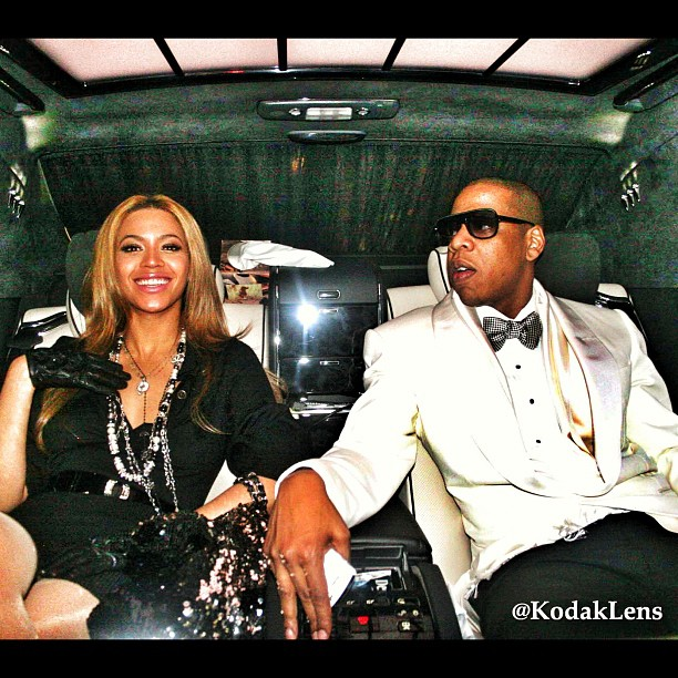 Beyonce-and-Jay-z-in-the-back-of-a-maybach